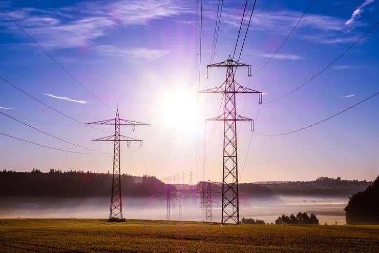 Toată România plătește: Criza actuală din energie este rezultatul ratării în ultimii 10 ani a unor investiţii de 7 mld. Euro, scrie azi Ziarul Financiar.