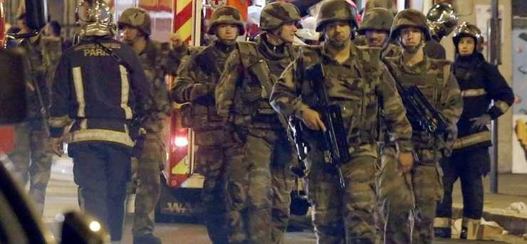 Starea de urgentà a fost decretatà în Franta imediat dupà atentatele din 13 noiembrie 2015