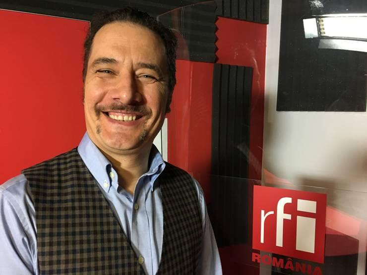 George Leca in studioul de inregistrari RFI Romania