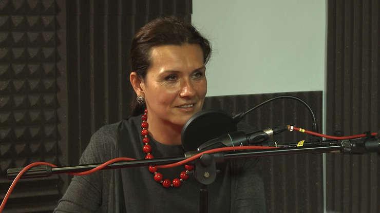 Monica Grigoriu în studioul RFI Romania