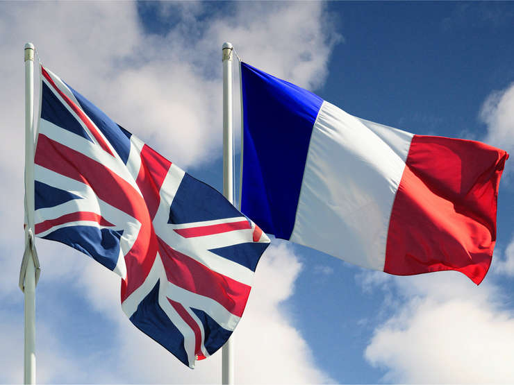 Franţa şi Marea Britanie vor colabora cu companiile de tehnologie pentru a elimina automat conţinutul dăunător