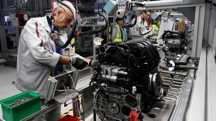 Franța a pierdut 1 milion de locuri de muncă în sectorul industrial, între 2000 și 2016.