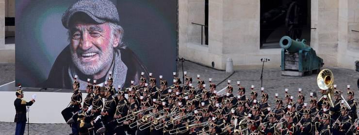 Franta îi aduce un omagiu national celui care a impresionat generatii de generatii, marelui actor francez Jean-Paul Belmondo, stins din viata luni, 6 septembrie 2021, la vârsta de 88 de ani.