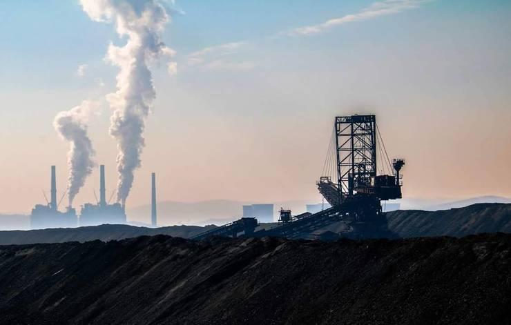 Greenpeace acuză CEO că în loc să-și reducă emisiile de CO2, le crește (Sursa foto: Facebook/CEO)