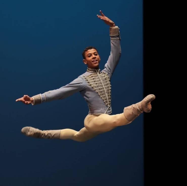 Guillaume Diop este balerin la Opera din Paris, unul dintre initiatorii manifestului prin care atentioneaza ca exista o discriminare rasiala în aceasta prestigioasa institutie.