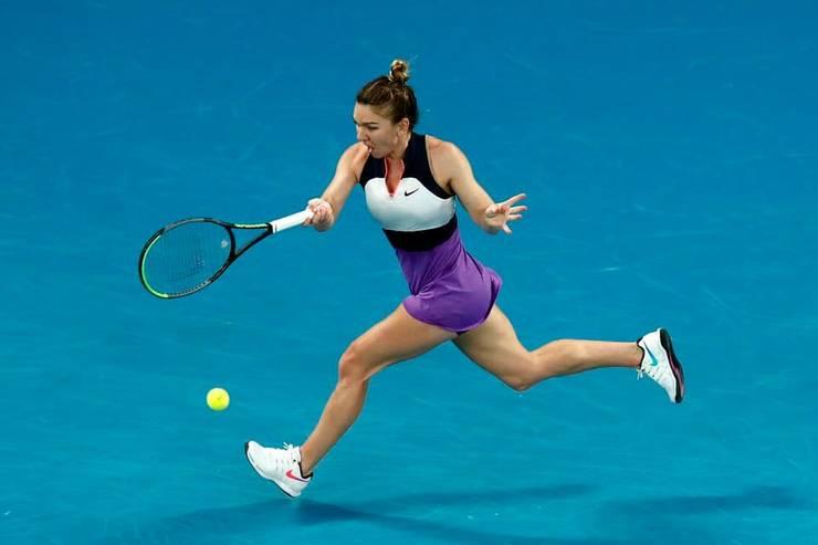 Simona Halep avansează la Australian Open după o luptă de 3 ore cu Ajla Tomjlanovici