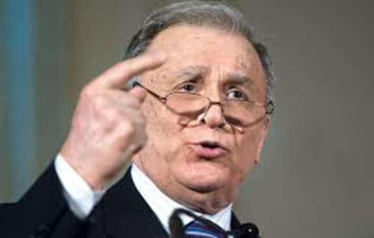 Ion Iliescu, inculpat in dosarul Revolutiei