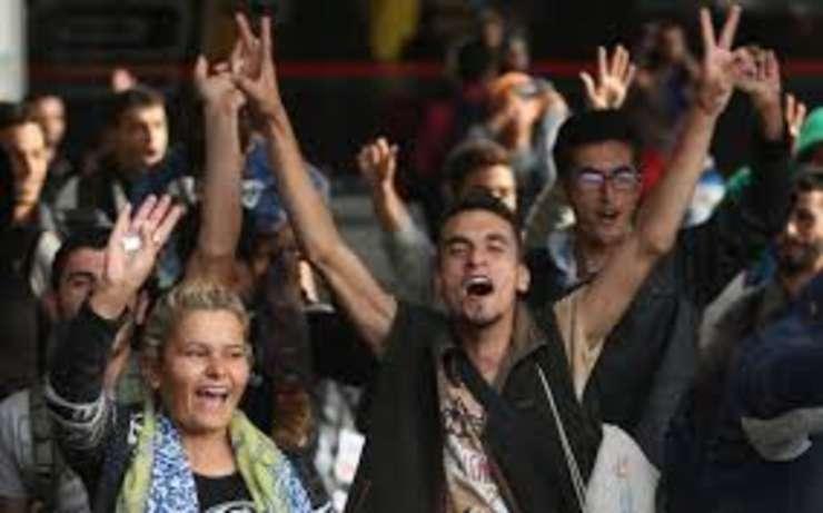 Franta anunta ca va primi 24.000 de imigranti in urmatorii doi ani