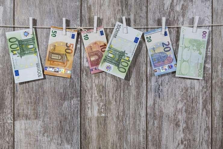 România a mai luat un înprumut extern de două miliarde de euro.