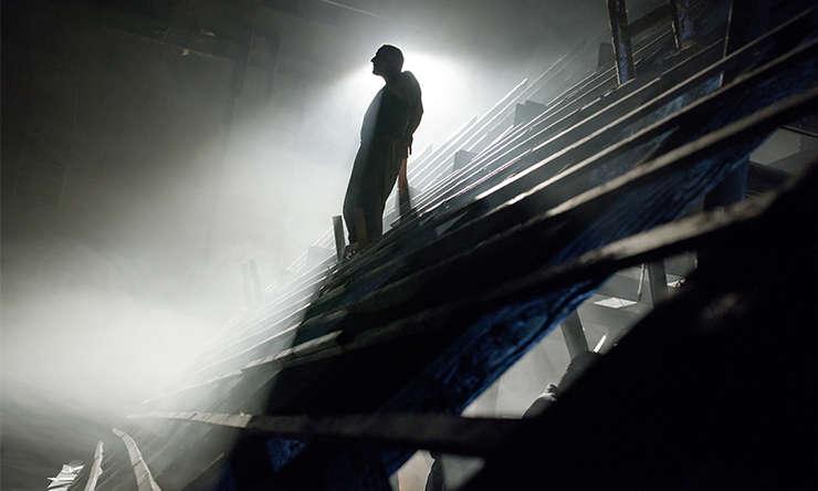 """""""În adâncuri"""" de Maxim Gorki, regia: Yuri Kordonsky"""