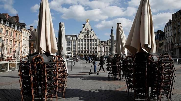 În Franta, restaurantele si terasele sunt închise de luni bune la fel ca si marile centre comerciale.