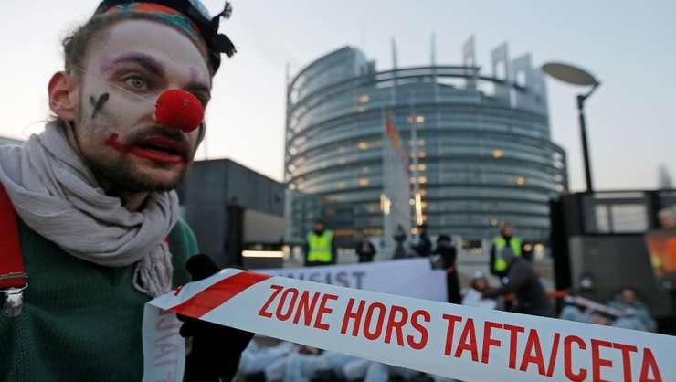 Opozanti CETA protesteaza la Bruxelles