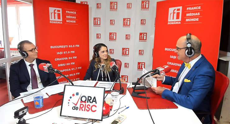 Mihai NECRELESCU, Elena IORDACHE și Sergiu COSTACHE in studioul RFI Romania
