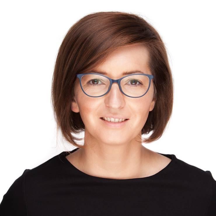 Ioana Mihăilă îi dă replica premierului Florin Cîțu (Sursa foto: Facebook/Ioana Mihăilă)