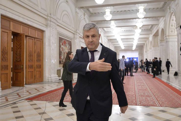 Fostul ministru al Justiției, Florin Iordache, a fost printre cei 5 deputați care s-au abținut de la vot