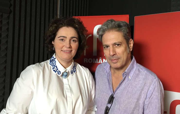 Iulia Scântei și Nicolas Don in studioul de inregistrari RFI Romania