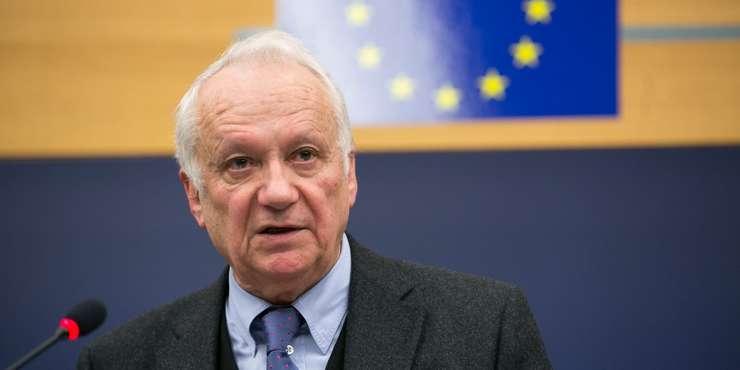 Jean-Marie Cavada, eurodeputat centrist si fost jurnalist