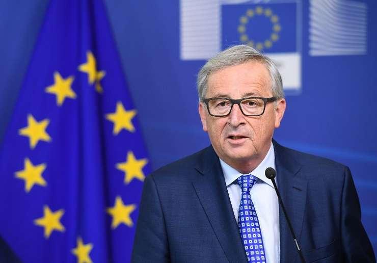 Jean-Claude Juncker se adresează joi Parlamentului României (Foto: AFP/Emmanuel Dunand)