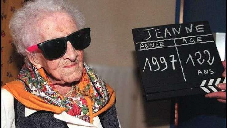 Jeanne Calment a decedat în 1997 la vârsta de 122 de ani si 165 de zile.