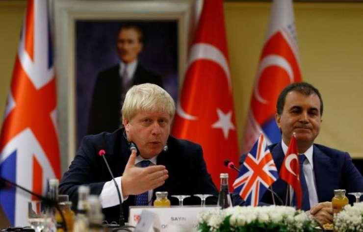 Boris Johnson și Omer Celik