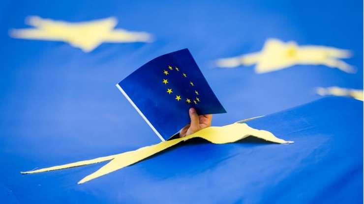 Joi, 23 mai 2019, se deschid primele birouri de vot în cadrul alegerilor europene, în Marea Britanie si în Olanda.