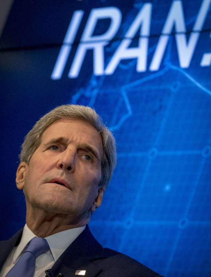 John Kerry încearcă să liniștească lucrurile în chestiunea acordului nuclear cu Teheranul