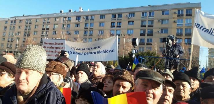Ieșeni nemulțumiți că proiectul Autostrăzii Unirii bate pasul pe loc (Foto: corespondenta RFI la Iași, Violeta Cincu)