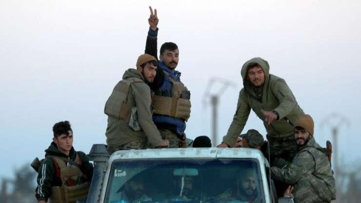 Luptători kurzi la Hajin în decembrie 2018
