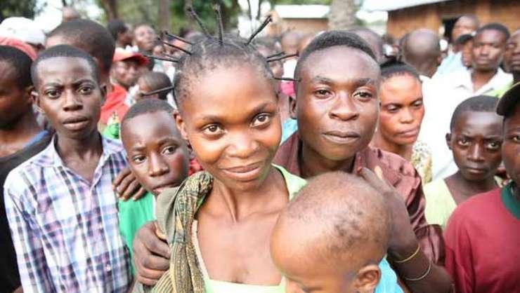 """Expertii evoca o necesara """"tranzitie"""" demografica în Africa, prin reducerea mortalitatii infantile dar si a natalitatii în acelasi timp"""
