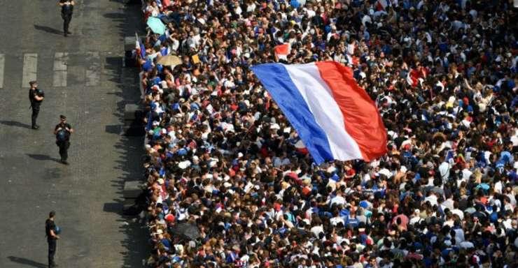 La 20 de ani dupa CM 1998, Champs Elysées este din nou în sarbatoare