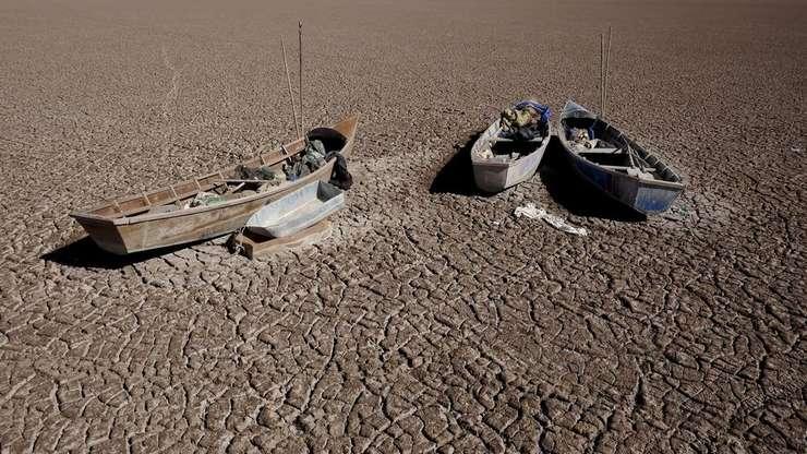 Lacul Poopo din Bolivia, victimà a secetei
