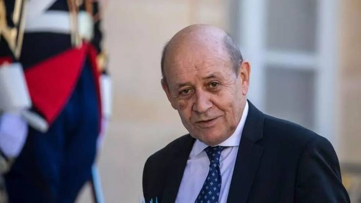 Jean-Yves Le Drian, seful diplomatiei franceze, i-a primit la Quai d''Orsay, sediul MAE francez, pe omologii sài german si britanic pentru a discuta despre dosarul nuclear iranian.