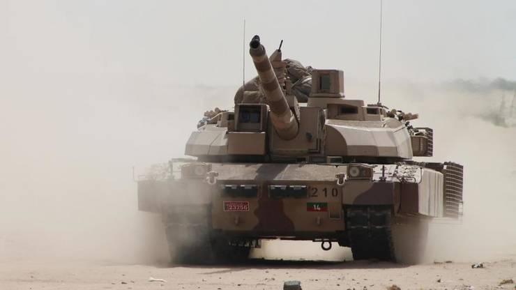Un tanc Leclerc de fabricatie francezà la Aden, Yemen, în 2015.