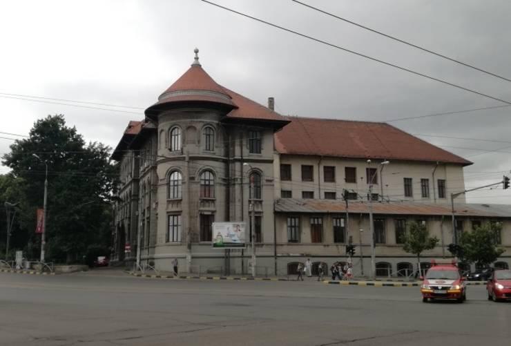 Primăria Sectorului 4 cere din nou evacuarea Colegiului Șincai și invocă consolidarea clădirii care are risc seismic