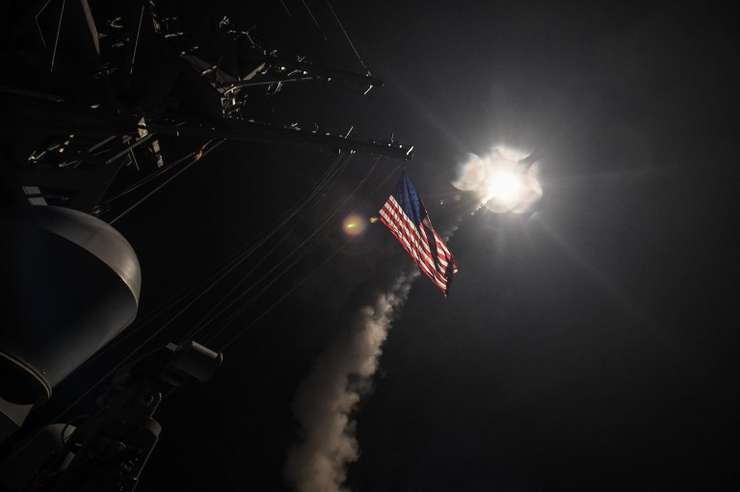 Rachetă lansată de SUA către Siria (Foto: Ford Williams/US Navy/AFP)