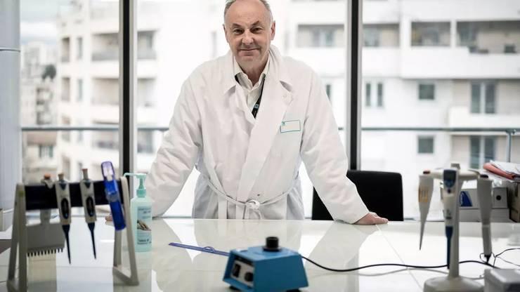 Profesorul Bruno Lina în laboratorul spitalului Croix-Rousse din Lyon, 14 ianuarie 2021.