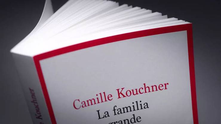 "In cartea ""La familia grande"", Camille Kouchner îl acuzà de incest pe celebrul politolog Olivier Duhamel."