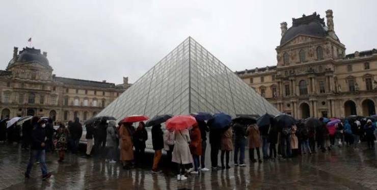 Luvru, cel mai vizitat muzeu din lume, a fost închis de întâi martie din cauza epidemiei de coronavirus