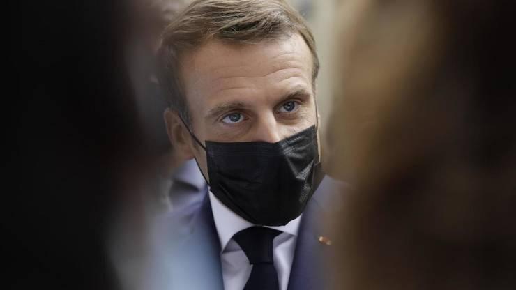 Presedintele Emmanuel Macron, aici în 6 octombrie 2020, va acorda un interviu principaleleor douà canale de televiziune din Franta.