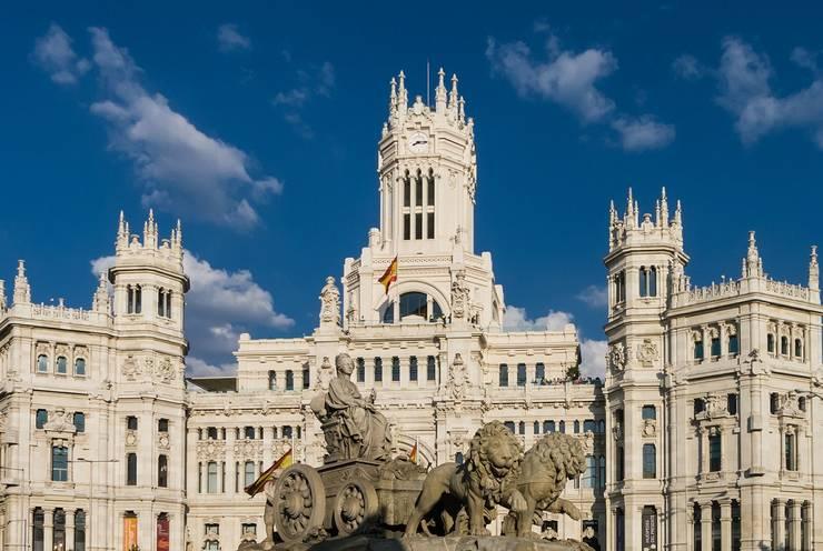 Autoritățile de la Madrid vor să izoleze purtătorii asimptomatici de COVID-19.