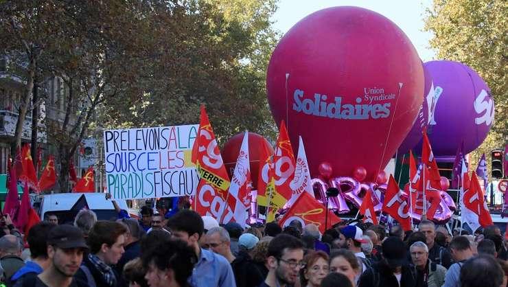 Manifestatie la Paris împotriva reformelor guvernamentale, 9 octombrie 2018.