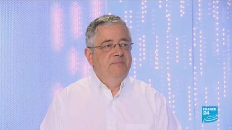 Crecetàtorul francez Roland Marchal, detinut la Teheran din luna iunie, pe platoul canalului France 24
