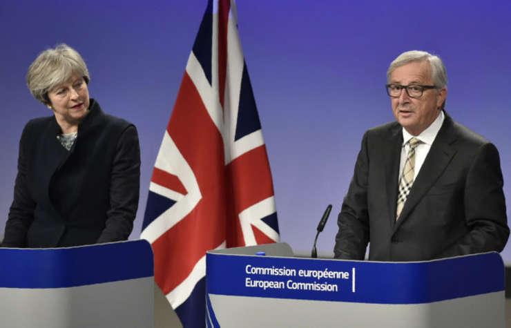 Theresa May și Jean Claude Juncker