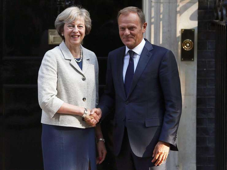 Theresa May și Donald Tusk