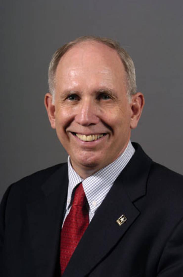 Jeffrey McCausland, colonel în rezervă, comentator la radioteleviziunea CBS
