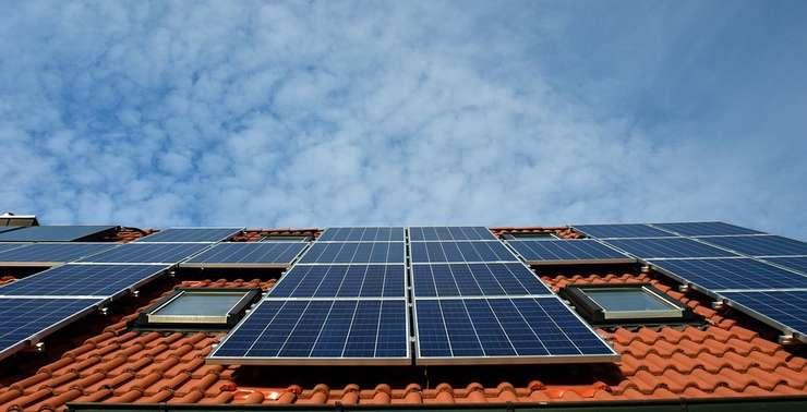 Probleme cu accesul micilor producători de energie regenerabilă la reţea (Sursa foto: pixabay)