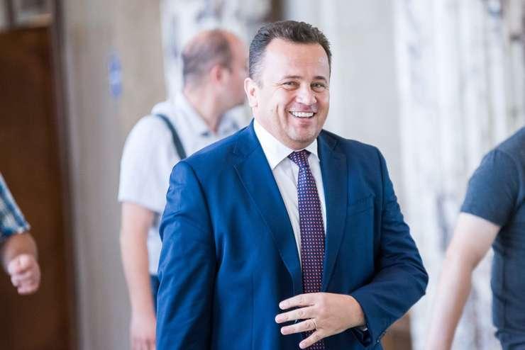 Liviu Pop anunţă o nouă lege a educaţiei (Sursa foto: gov.ro)
