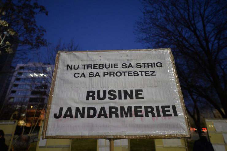 Protest al societății civile în fața Tribunalului București, 3 martie 2021 (Sursa: MEDIAFAX FOTO/Alexandru Dobre)