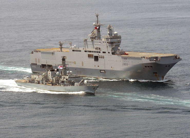 Franța încă nu a decis soarta contractului Mistral încheiat cu Moscova