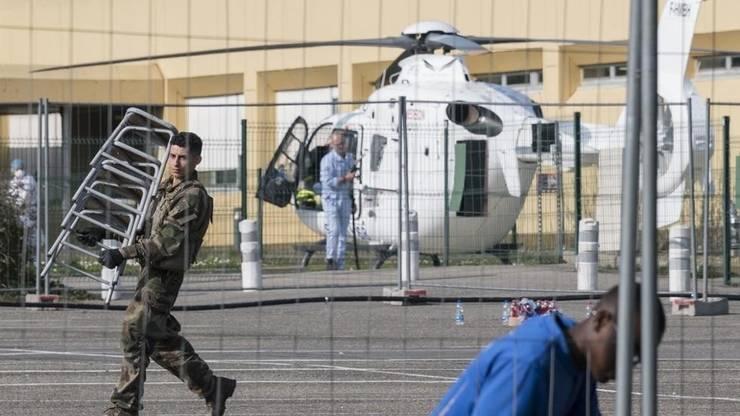 Mulhouse, 20 martie 2020- un spital de campanie este instalat de armată pentru a prelua din bolnavii de coronavirus aflați în spitalele de stat din Alsacia, regiunea cea mai atinsă de pandemie.